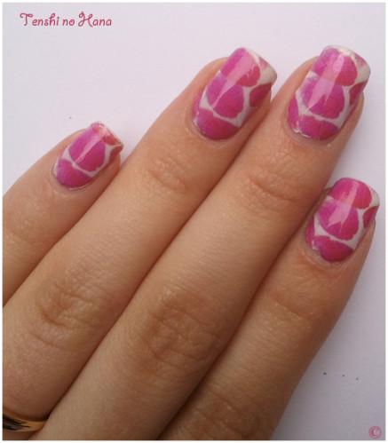 nail decals pétales roses 1