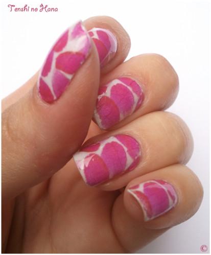 nail decals pétales roses 7