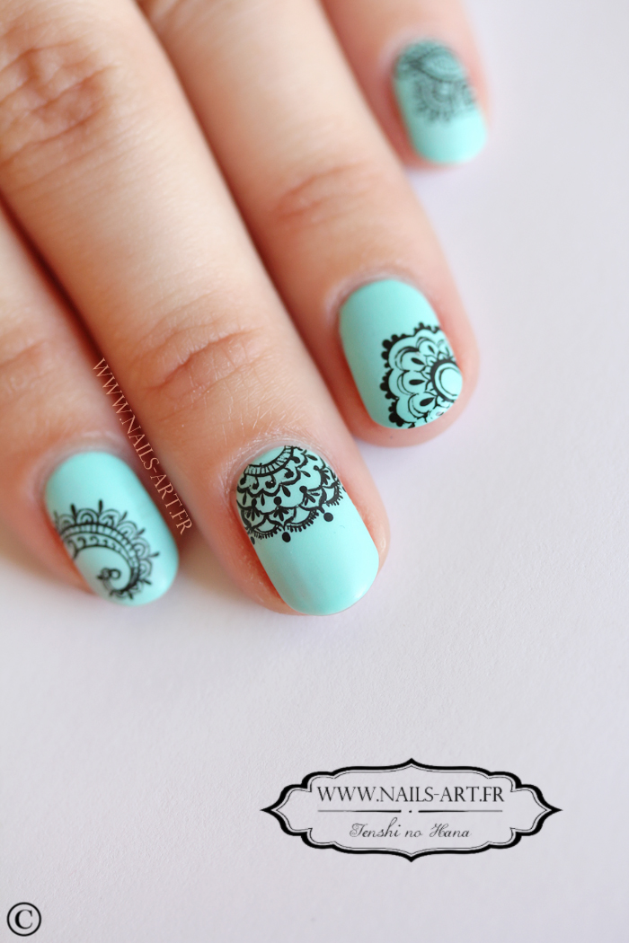 Mandalas dentellés effet water decals   Nature Nails Nails Art