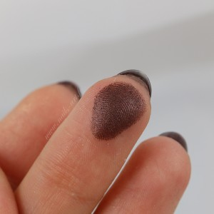 chocolate bonbons 03 Dark Truffle swatch