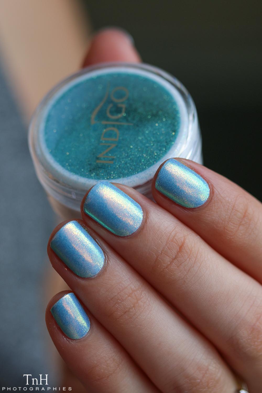 Indigo Sirene aquarius sur bleu ciel 02